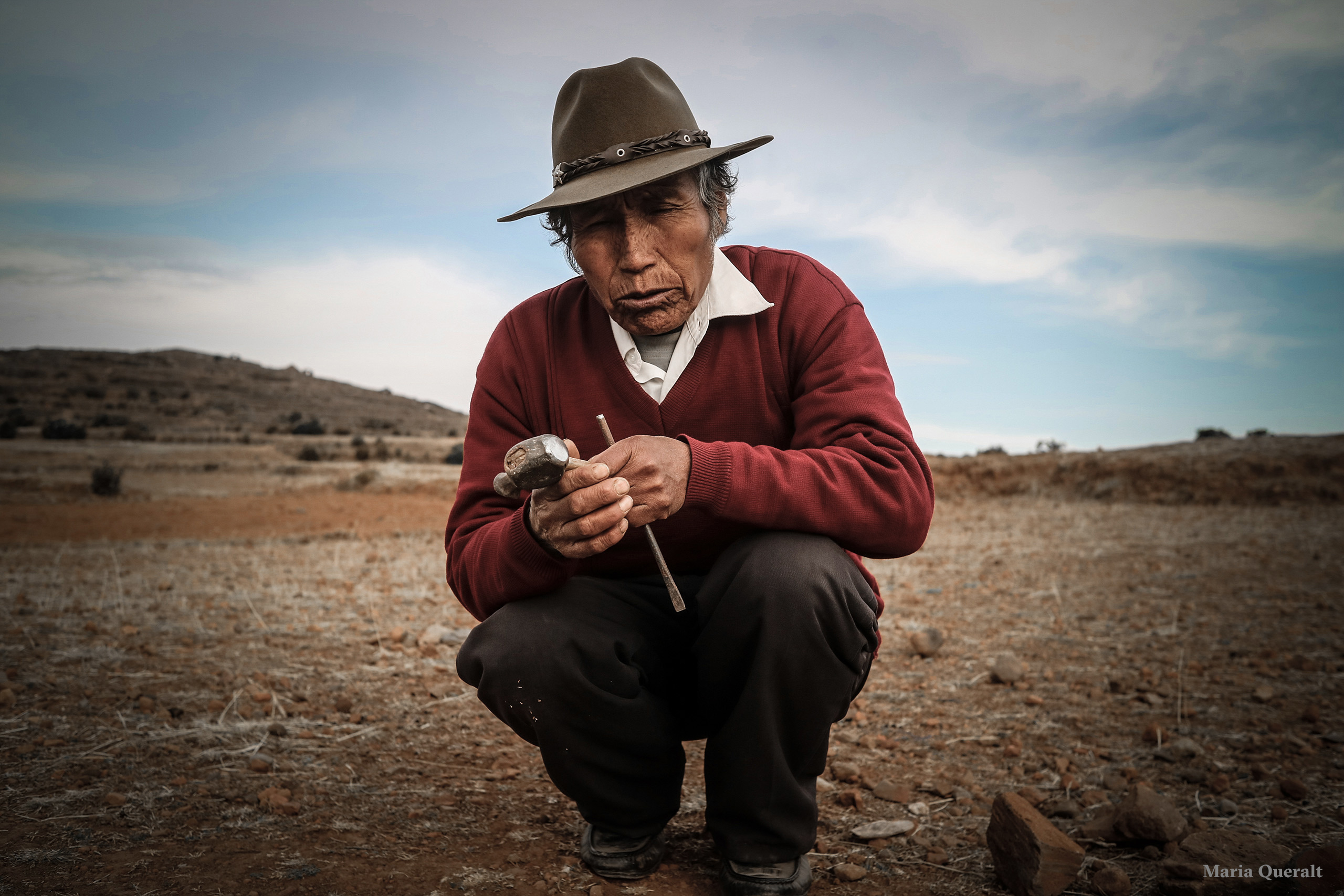Portrait of an artisan in Lake Titikaka, Peru. Photography and retouch by Maria Queralt