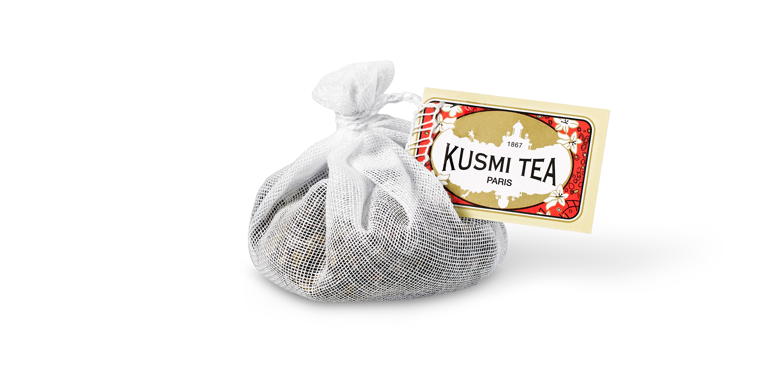 Commercial photography for Kusmi Tea of a tea bag. Photograph retouched by Maria Queralt